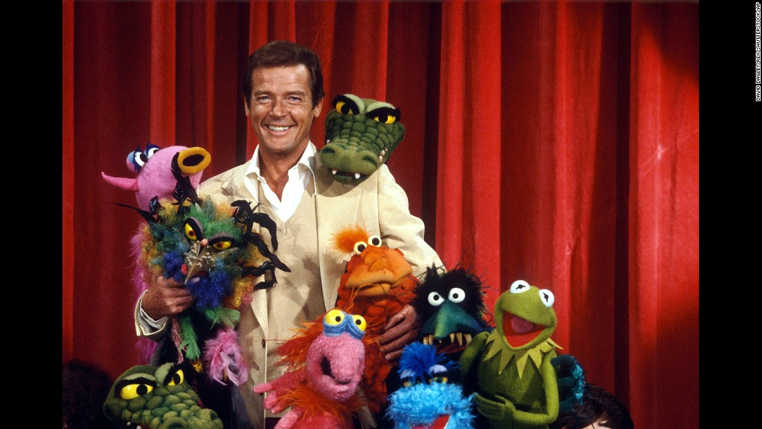 "Moore and friends on the set of ""The Muppet Show"" in 1980."