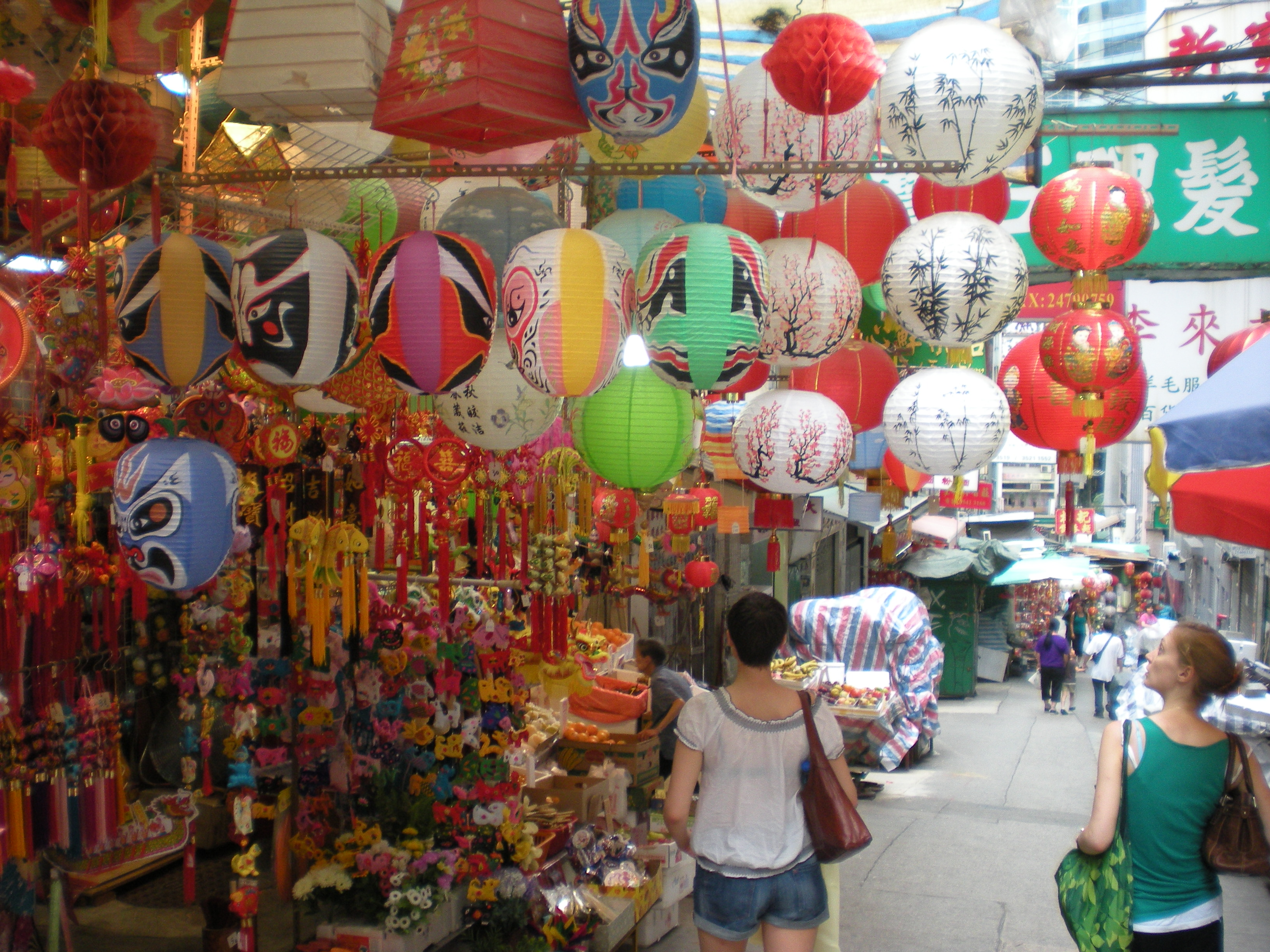 Hong Kong: Best souvenirs and where to get them | CNN Travel