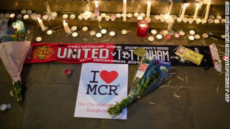 MANCHESTER, ENGLAND - MAY 23:  Members of the public attend a candlelit vigil, to honour the victims of Monday evening's terror attack, at Albert Square on May 23, 2017 in Manchester, England. Monday's explosion occurred at Manchester Arena as concert goers were leaving the venue after Ariana Grande had just finished performing. Greater Manchester Police are treating the explosion as a terrorist attack and have confirmed 22 fatalities and 59 injured.  (Photo by Jeff J Mitchell/Getty Images)