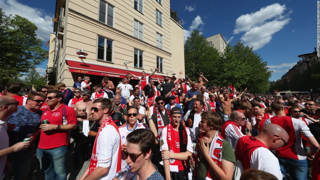 Ahead of the match Ajax fans enjoyed the atmosphere in Stockholm city center.