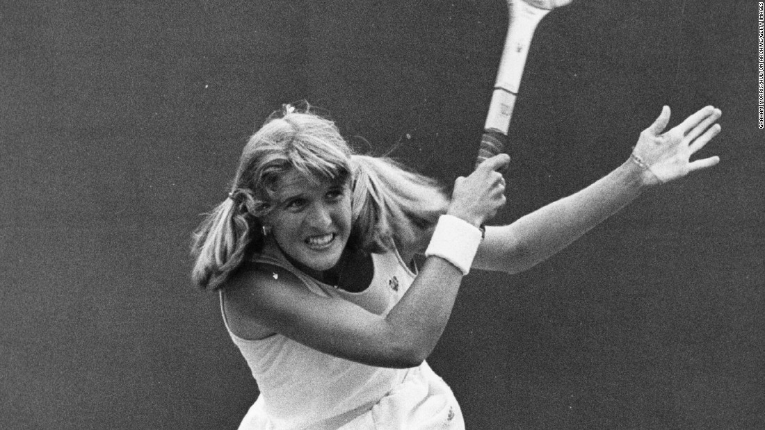 "Alan Jones, a British coach who widely endorses grunting as a way to generate shot power, tells CNN that excessive grunters -- among whom he lists Sharapova and three-time grand slam winner Tracy Austin (pictured) -- aren't ""co-ordinating [shot and grunt] for the right reasons ... once the ball has left, there is no sense of value."""