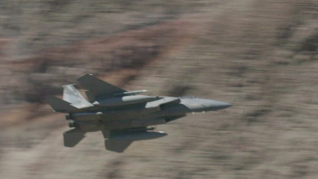 Fighter pilots love to fly 'Star Wars Canyon'