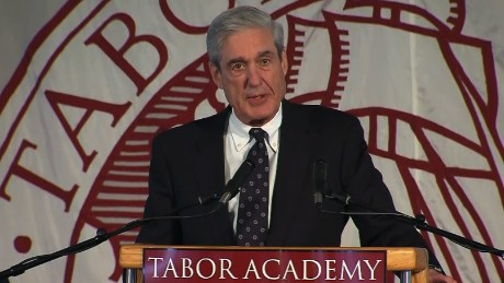 Mueller urges graduates to value integrity