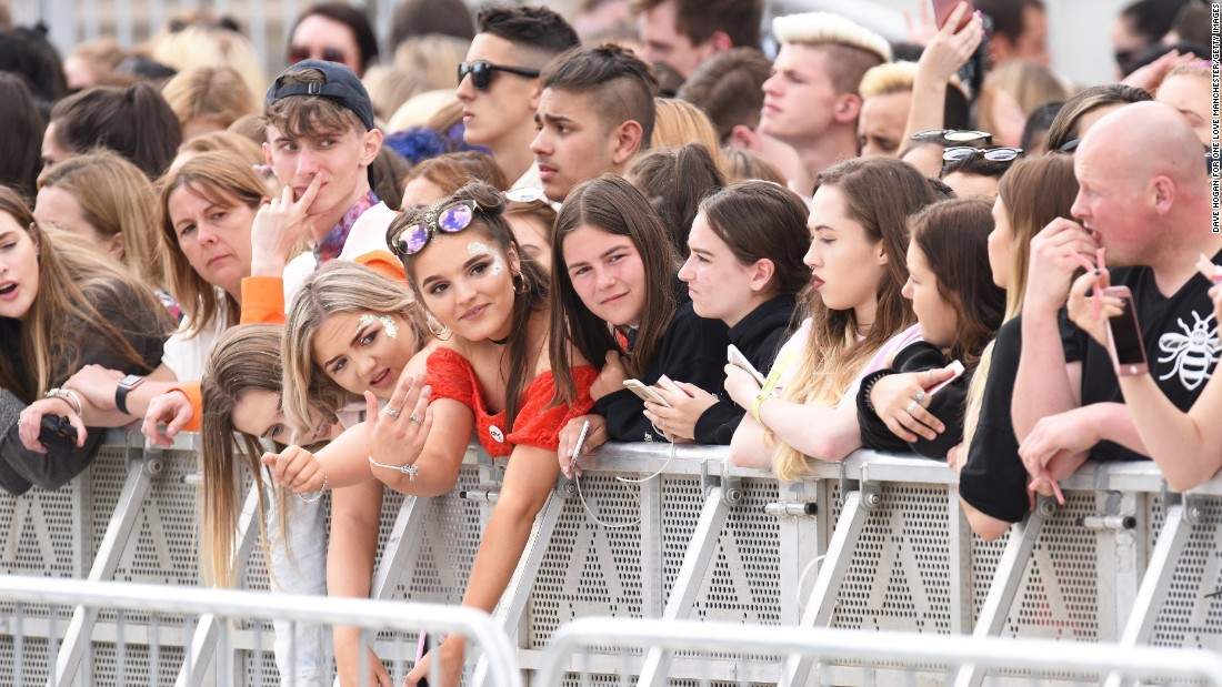 Grande performed before a jubilant and defiant crowd in Manchester on Sunday, less than 24 hours after a deadly terror attack in the heart of London.