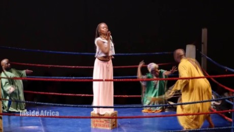 Inside Africa South African artists get a creative workout in a boxing ring B _00002724.jpg