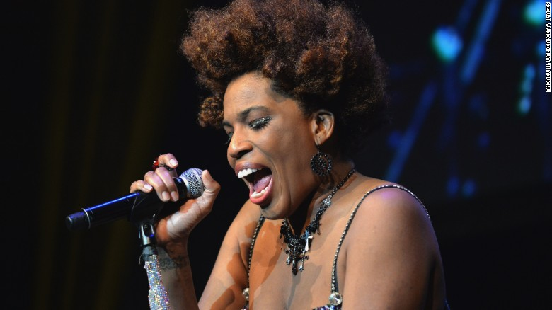 Macy Gray gets political