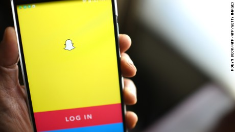 California teen uses Snapchat to escape alleged kidnappers
