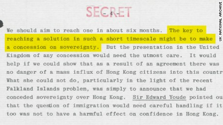 Early in the negotiations, advisers to Thatcher suggested the UK make concessions over its sovereignty claims to Hong Kong. Original image altered for clarity.