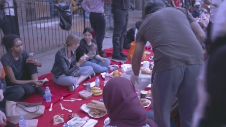 coming together for iftar after London fire lon orig_00002705