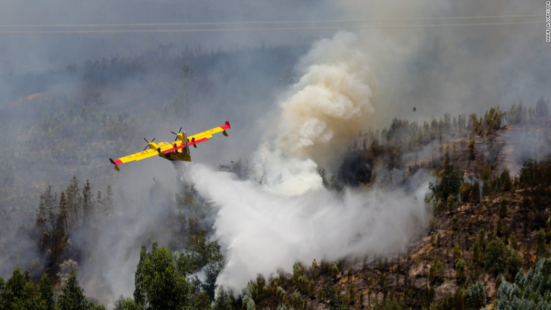 A Spanish firefighting aircraft helps battle the Pedrogao Grande wildfire.