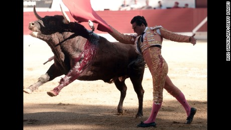 Spanish matador Iván Fandiño performs a pass with a Baltasar Iban bull on Saturday.