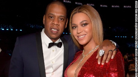 LOS ANGELES, CA - FEBRUARY 12:  Recording artists Jay Z (L) and Beyonce pose during The 59th GRAMMY Awards at STAPLES Center on February 12, 2017 in Los Angeles, California.  (Photo by Lester Cohen/Getty Images for NARAS)