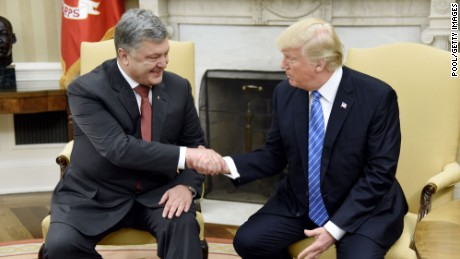 U.S President Donald Trump checks hands with President Petro Poroshenko of Ukraine in the Oval Office of the White House on June 20, 2017 in Washington, DC. (Olivier Douliery-Pool/Getty Images)