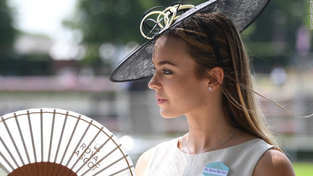 Official Royal Ascot fans were the order of the day as racegoers tried to keep cool in the searing heat.