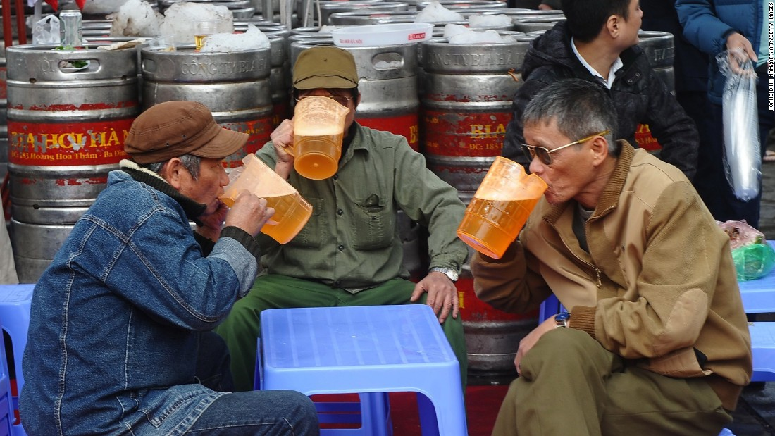 "While stalwart brands such as Tiger, Saigon Beer,<strong> </strong>and Bia Hoi still account for the lion's share of Vietnam's beer consumption, in Ho Chi Minh City alone artisan brewers such as <a href=""http://platinumbeers.com/"" target=""_blank"">Platinum</a>, <a href=""https://pasteurstreet.com/"" target=""_blank"">Pasteur Street Brewing Co</a>, <a href=""https://www.facebook.com/winkingseal/"" target=""_blank"">Winking Seal</a>, <a href=""http://heartofdarknessbrewery.com/"" target=""_blank"">Heart of Darkness</a>, and <a href=""https://www.facebook.com/fuzzylogicbrewing/"" target=""_blank"">Fuzzy Logic</a> are providing a real alternative."