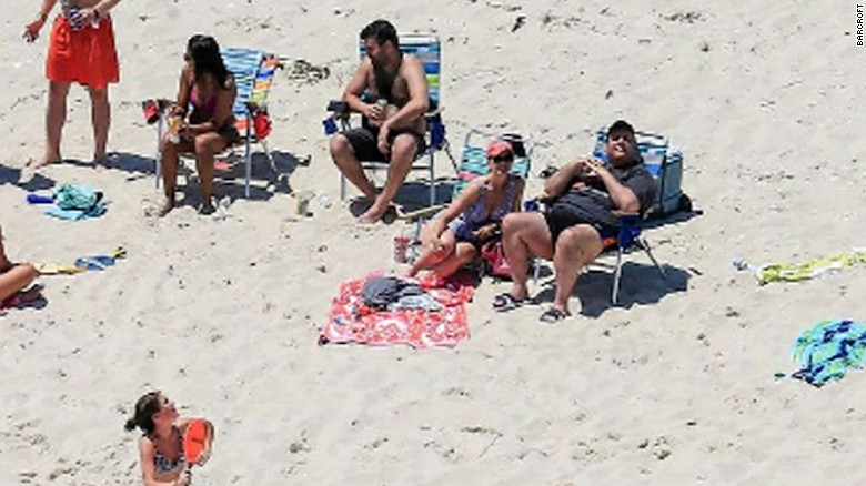 Christie family visits beach amid NJ shutdown