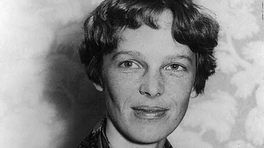 Does blurry photo show Amelia Earhart survived plane crash?
