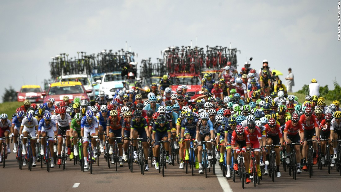 The peloton jostles during the 213.5 km seventh stage.