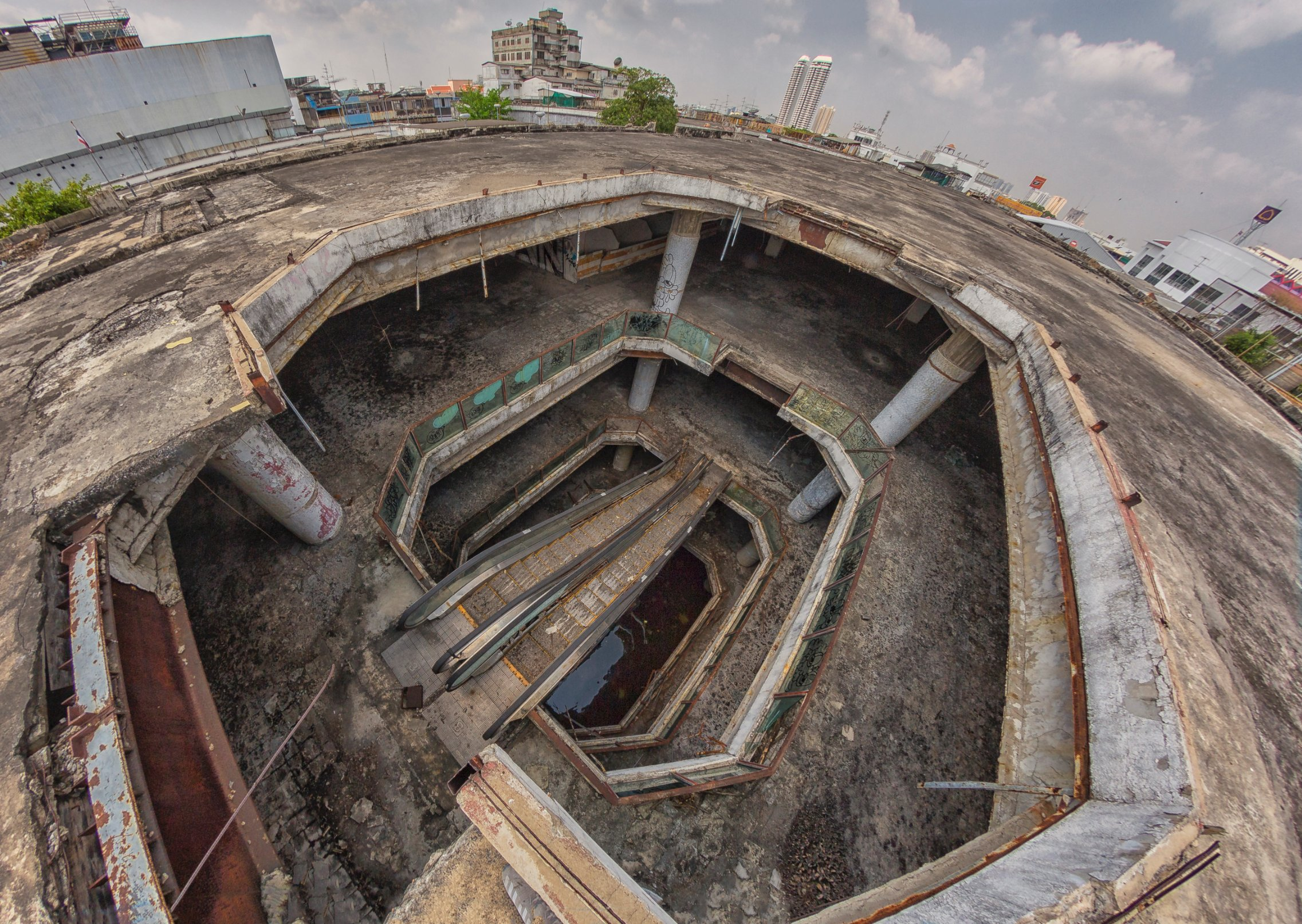 Inside Bangkok's abandoned 'ghost' towers - CNN Style