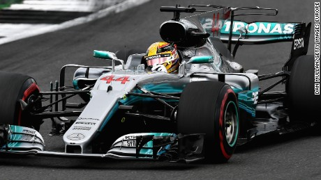 Lewis Hamilton led from start to finish at Silverstone to record his fourth straight victory at the British Grand Prix.
