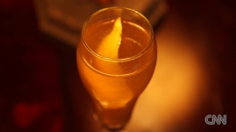 Signature Cocktails - French 75_00004317.jpg