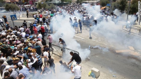 Israel installs security cameras as Jerusalem tensions build