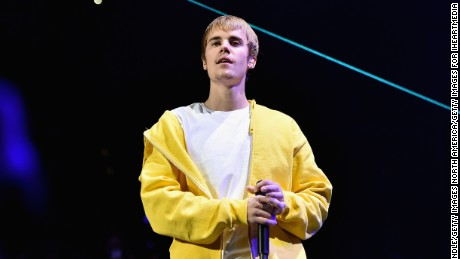 LOS ANGELES, CA - DECEMBER 02:  Singer Justin Bieber performs onstage during 102.7 KIIS FM's Jingle Ball 2016 presented by Capital One at Staples Center on December 2, 2016 in Los Angeles, California.  (Photo by Mike Windle/Getty Images for iHeartMedia)
