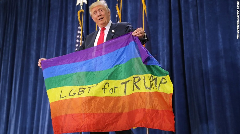 Trump ignores query on transgender troops ban