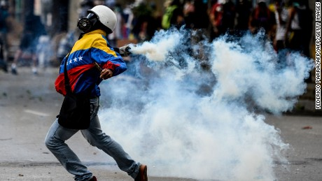 Why Venezuela is in crisis