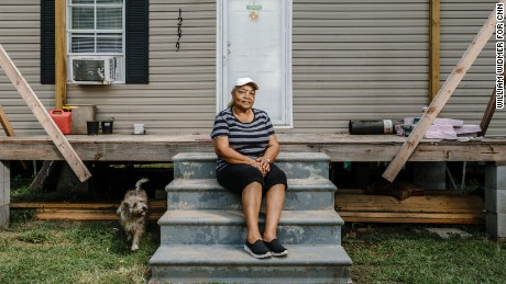 Carolyn Ruffin lives with her grandchildren in Arcola, Louisiana.