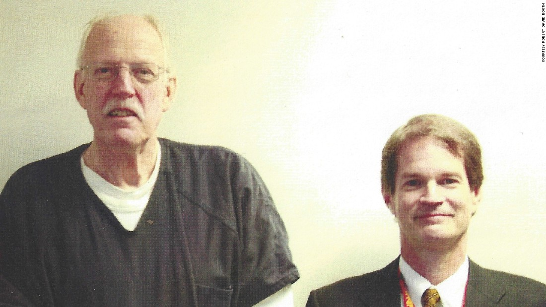 Retired US State Department Supervisory Special Agent Robert David Booth, right, stands beside convicted American spy Kendall Myers in 2009. Myers, a former State Department officer, was sentenced to life in prison for giving highly sensitive US diplomatic secrets to Cuba.