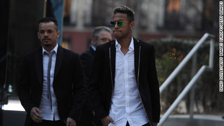 MADRID, SPAIN - FEBRUARY 02:  Neymar of FC Barcelona leaves the National Court on February 2, 2016 in Madrid, Spain. Neymar was giving evidence over allegations of corruption and fraud surrounding his transfer to FC Barcelona.  (Photo by Denis Doyle/Getty Images)