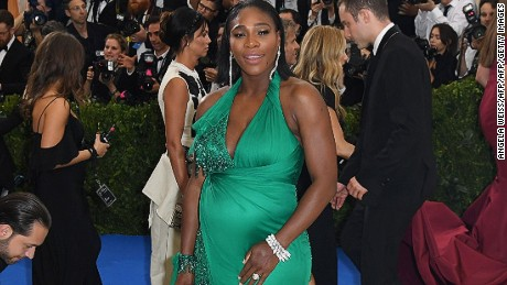 TOPSHOT - Serena Williams arrives at the Costume Institute Benefit May 1, 2017 at the Metropolitan Museum of Art in New York.  / AFP PHOTO / ANGELA WEISS        (Photo credit should read ANGELA WEISS/AFP/Getty Images)