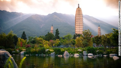 China-beautiful-places---Three-Pagodas,-Dali---Flickr---Alexander-Savin