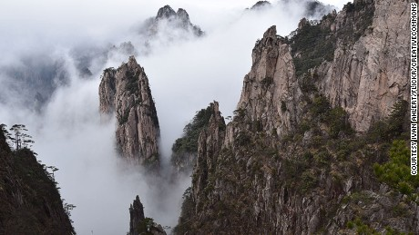 China-beautiful-places---Huangshan-mountain---Flickr---Ivan-Ahlert