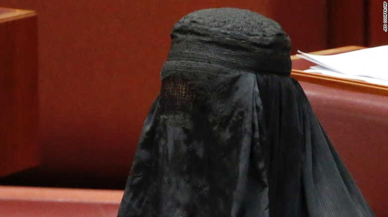 170817093602-01-pauline-hanson-burqa-0817-exlarge-169.jpg
