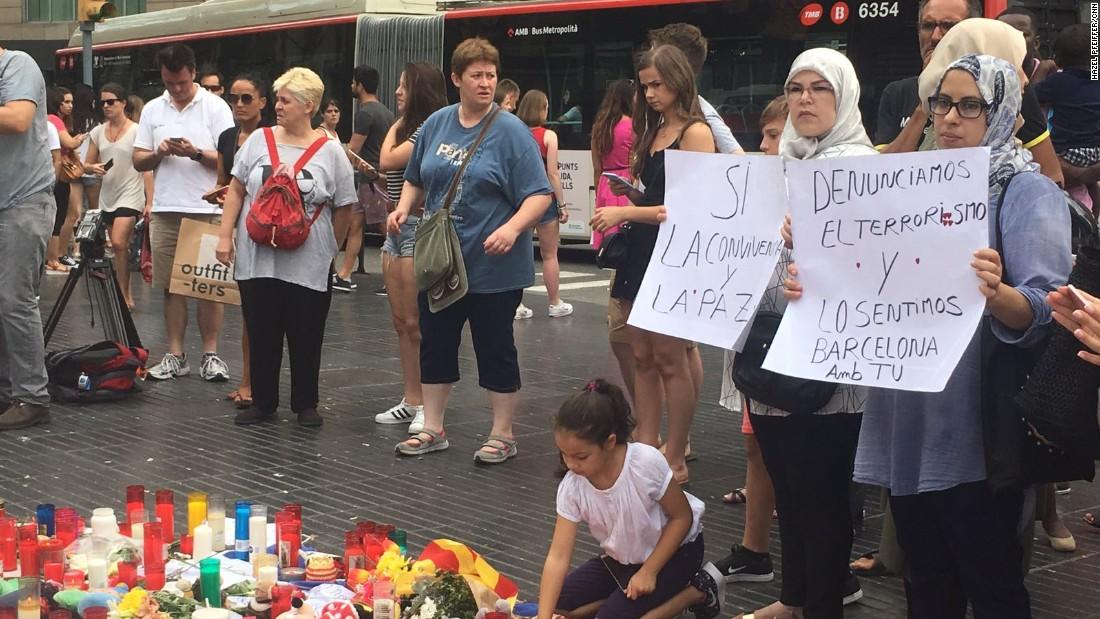 Spain attacks: Police hunt Barcelona driver, probe suspected bomb factory