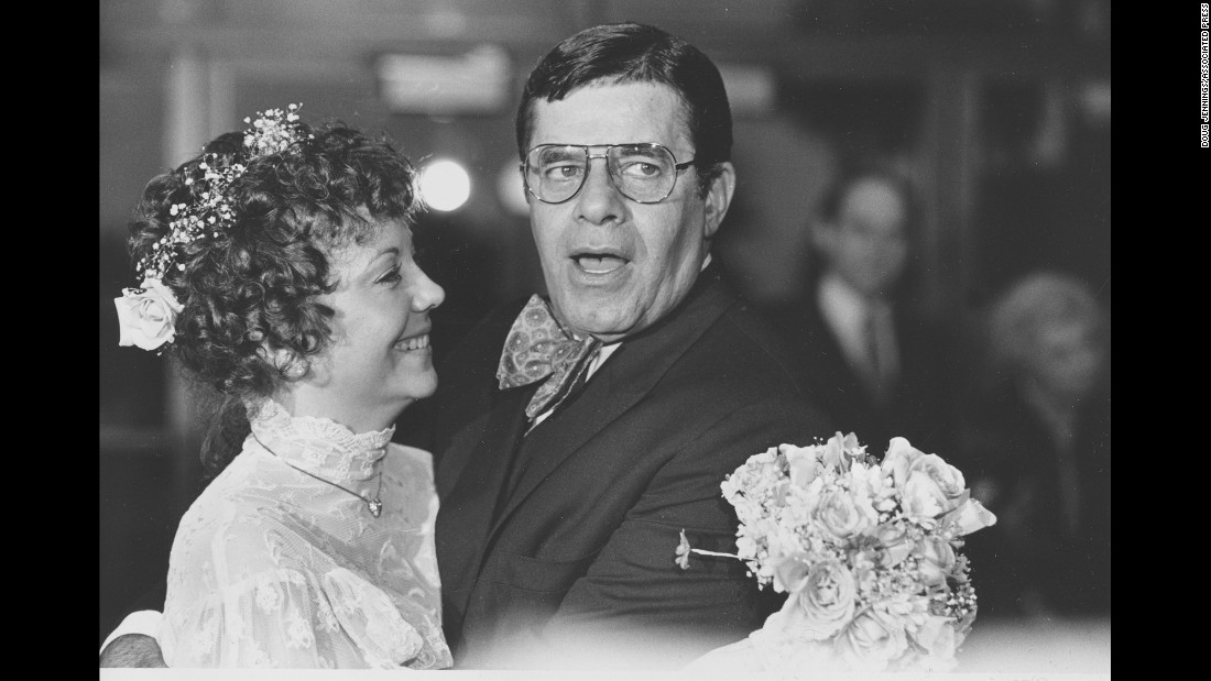Lewis married Sandra Pitnick in 1983.