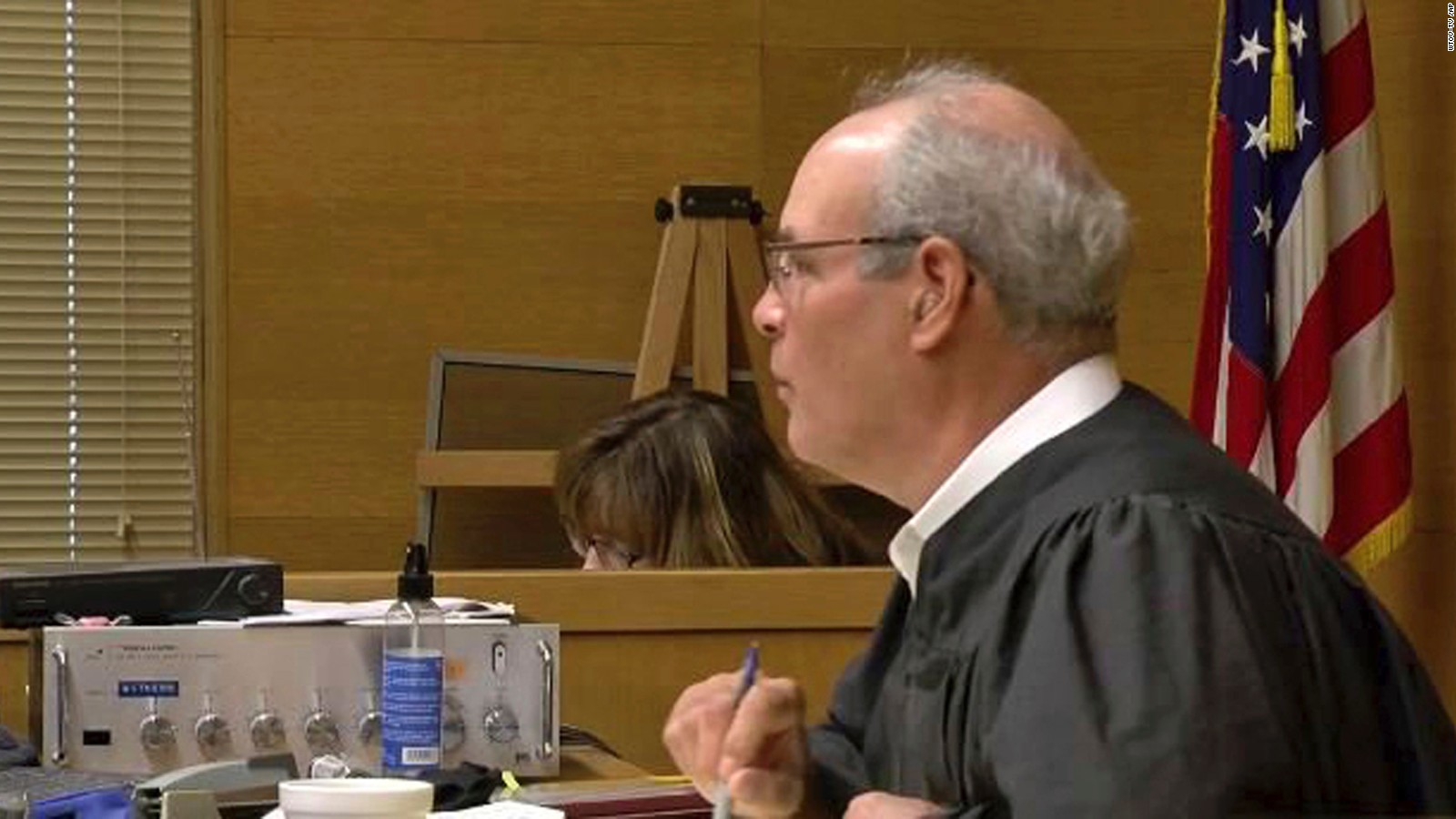 Judge shot outside ohio courthouse returns fire suspect killed cnn ccuart Images