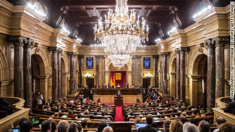 BARCELONA, SPAIN - NOVEMBER 09:  General view of the chmaber during the parliamentary session to vote the start of the independence process on November 9, 2015 in Barcelona, Spain. The Catalan parliament voted and passed a motion declaring the start of secession process of Spain with 72 votes in favor and 63 votes against from unionists.  (Photo by David Ramos/Getty Images)