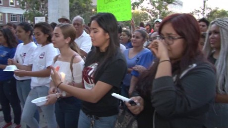 cnnee pkg edgar roman reacciones dreamers suspension daca frontera mexico_00012814