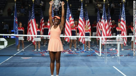 NEW YORK, NY - SEPTEMBER 09:  Sloane Stephens of the United States poses with the championship trophy during the trophy presentation after the Women's Singles finals match on Day Thirteen of the 2017 US Open at the USTA Billie Jean King National Tennis Center on September 9, 2017 in the Flushing neighborhood of the Queens borough of New York City. Sloane Stephens defeated Madison Keys in the second set with a score of 6-3, 6-0.  (Photo by Elsa/Getty Images)