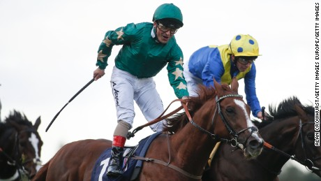 Decorated Knight shocks Irish Champion Stakes