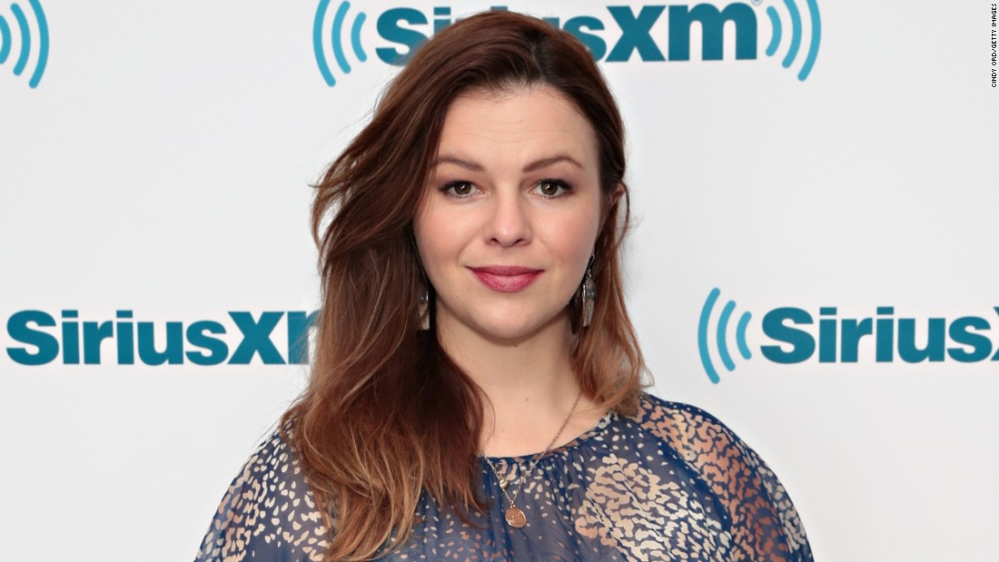 """Paint It Black"" actor Amber Tamblyn joins the other celebs to salute 2017 CNN Heroes."