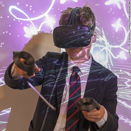 A student at Sevenoaks School uses virtual reality technology