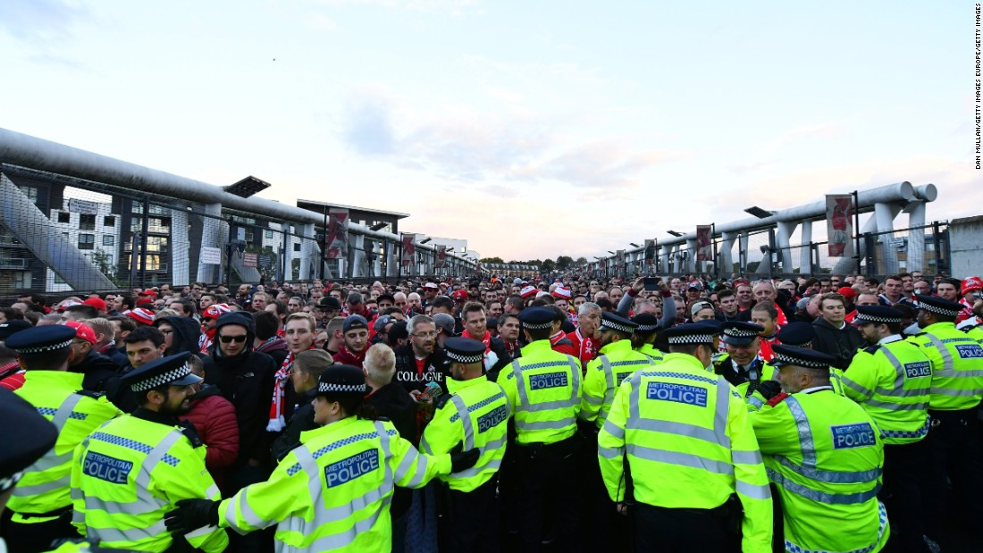 Despite a large police presence, thousands of Arsenal and Cologne fans mingled amicably throughout the evening.