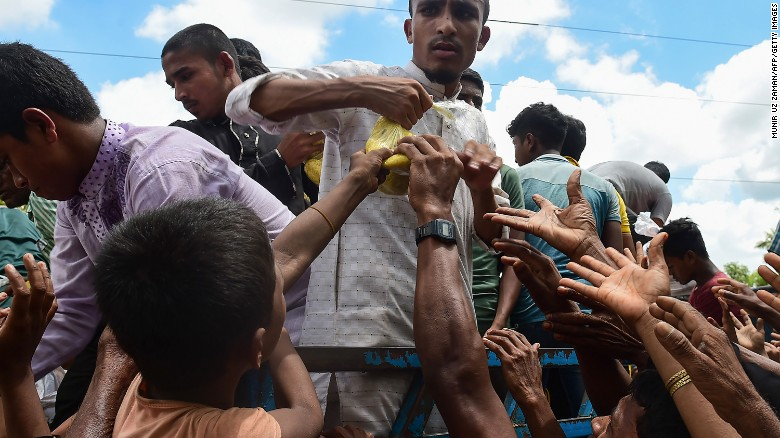 Rohingya refugees desperate for food
