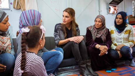 Queen Rania meets with Syrian refugees at the Kara Tepe refugee camp in Lesbos, Greece, in  April 2016.