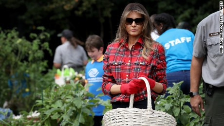 WASHINGTON, DC - SEPTEMBER 22:  U.S. first lady Melania Trump joins children from the Boys and Girls Club of Washington in planting and harvesting vegetables in the White House Kitchen Garden September 22, 2017 in Washington, DC. The White House Kitchen Garden is a tradition started by former first lady Michelle Obama.  (Win McNamee/Getty Images)