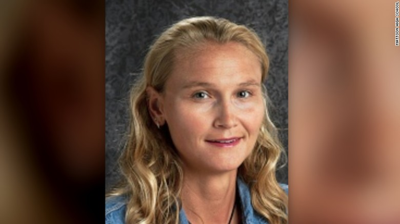 Hero teacher tackles student gunman